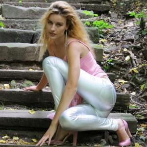 9727 2013-07-31 Ivana