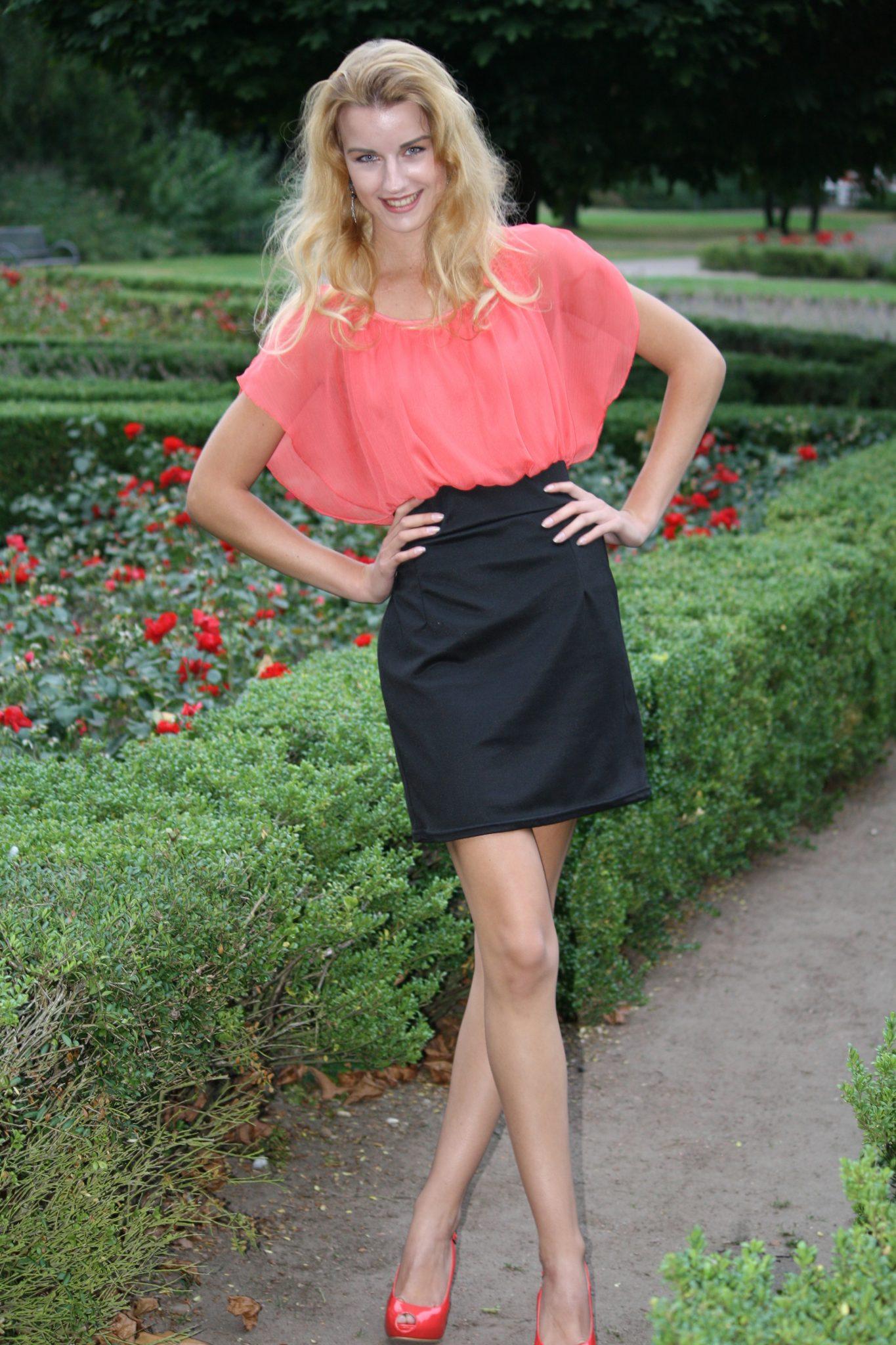 9689 2013-09-03 Ivana